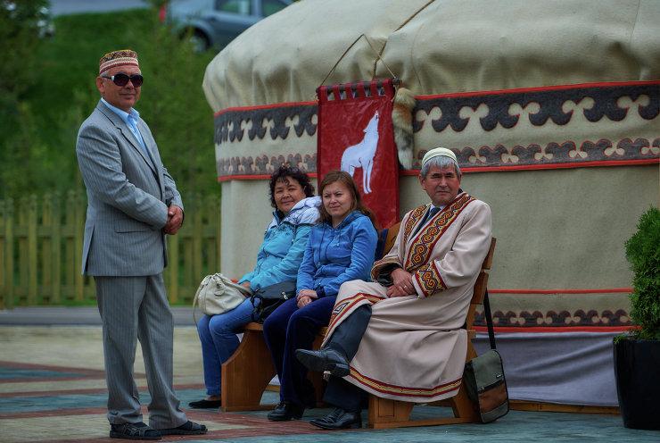 """Этнопарк """"Ватан"""" у здания конгресс-холла Уфы"""